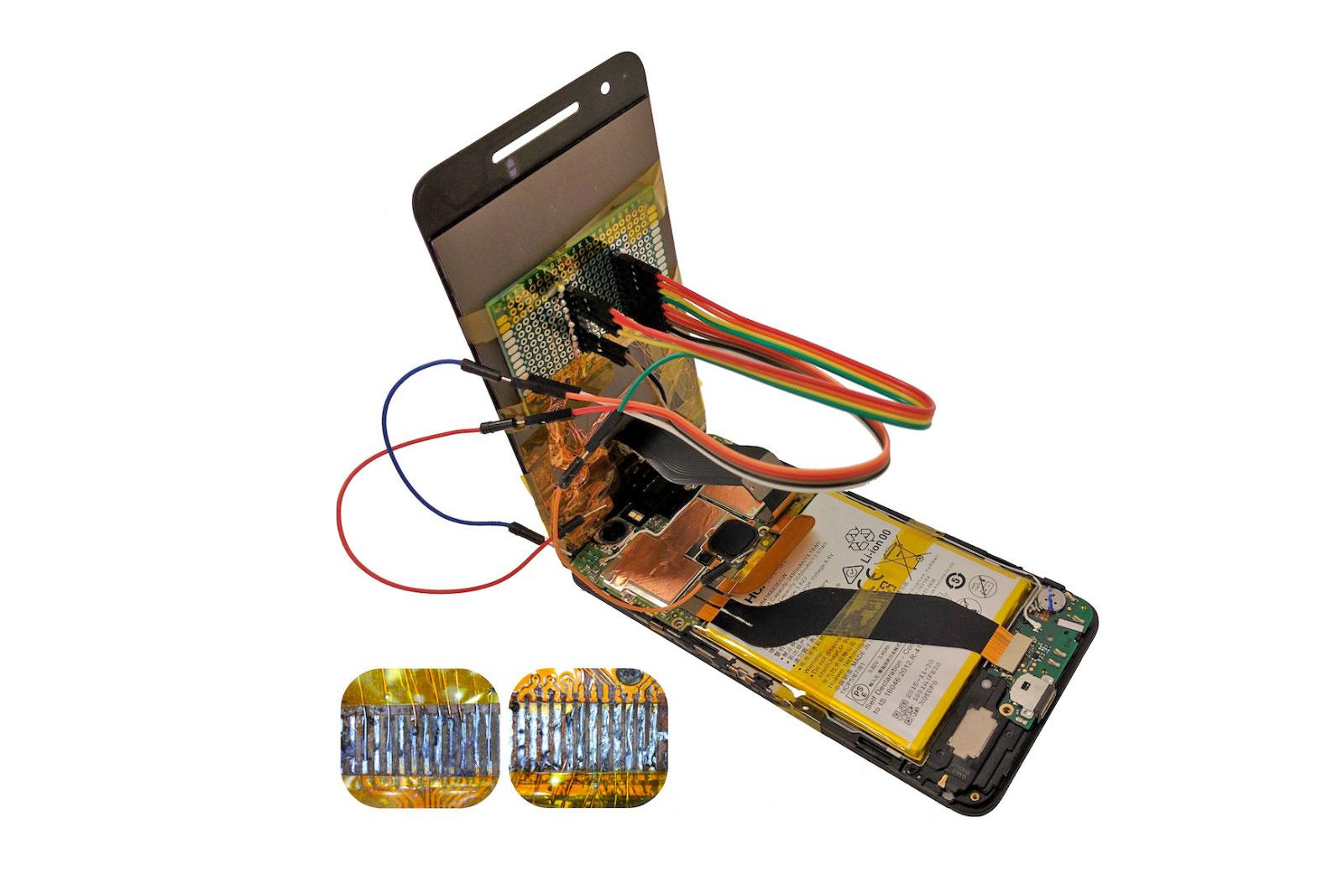 Rozmontowany ekran w telefonie