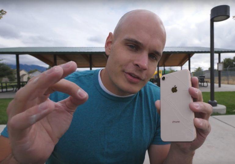 Jak wytrzymały na upadki jest iPhone 8?