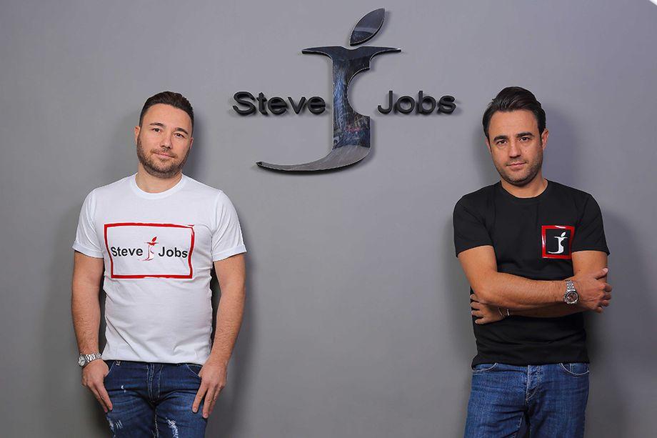 bracia Barbato - jeansy Steve Jobs