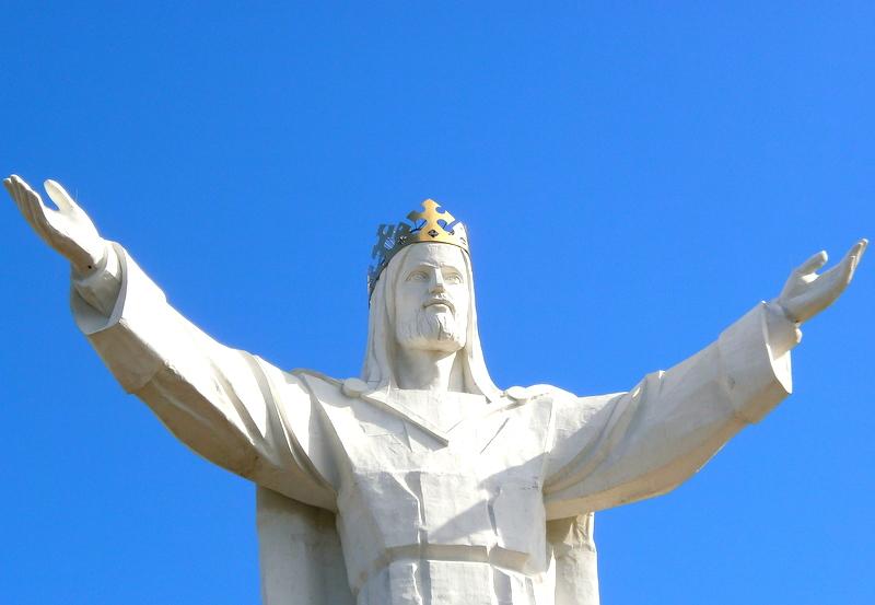 internet z głowy pomnik sygnał jezus ze swiebodzina