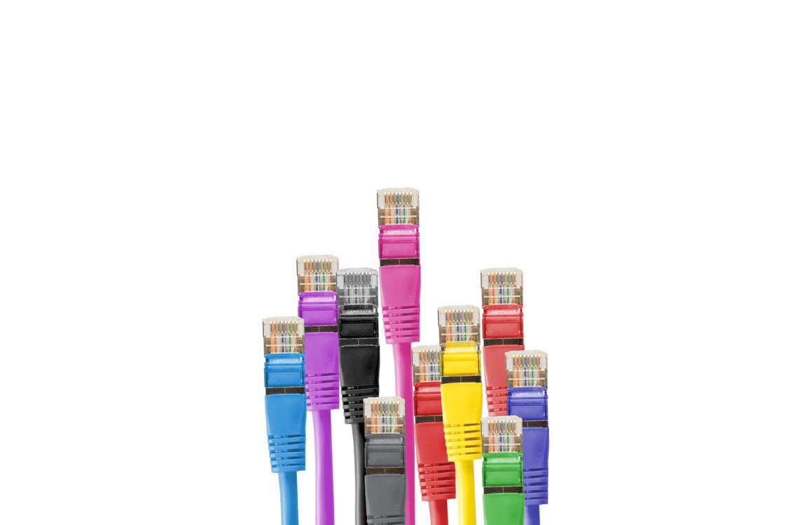 najszybszy internet domowy - porównanie ofert kable