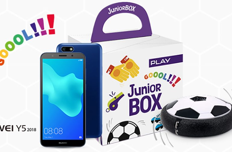 Junior BOX z piłką i smartfonem od 2 zł w Play