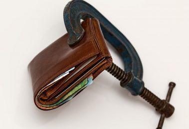 750 mln długów - tyle Polacy są winni firmom telekomunikacyjnym dług