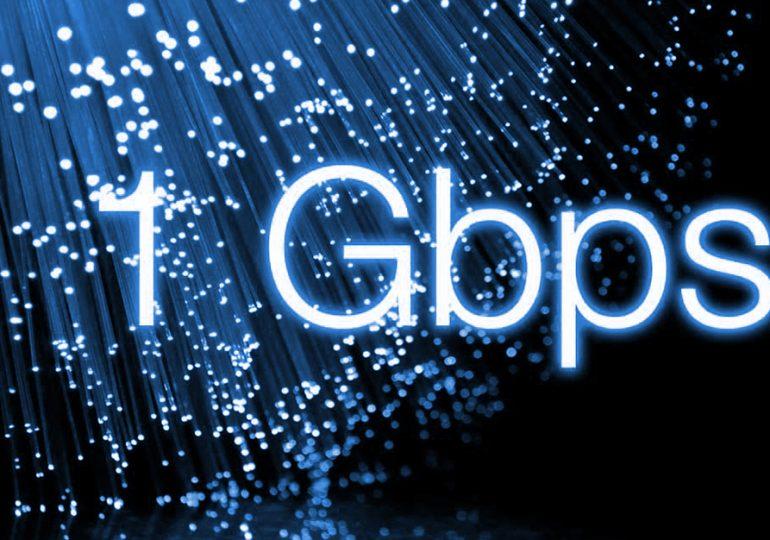Prędkość 1 GBPS w UPC i w Orange - która oferta jest lepsza?