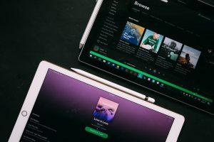 Pakiet rodzinny w Spotify - koniec z fikcyjnymi rodzinami