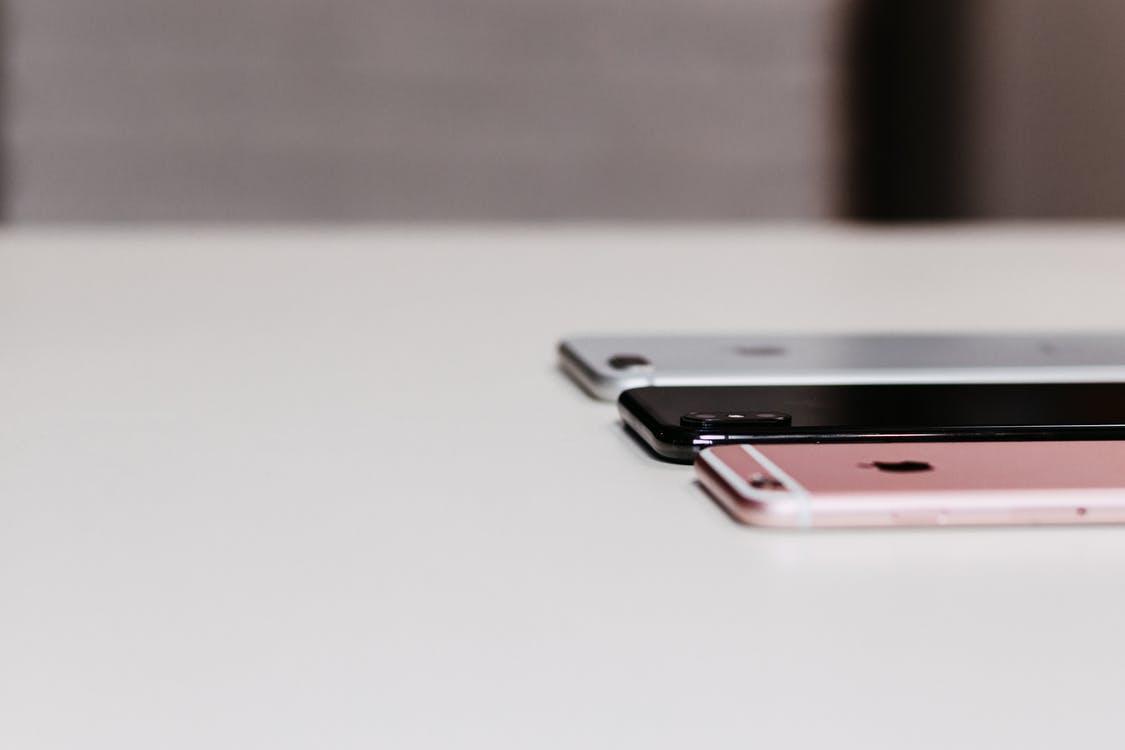 play telefony na abonament iphone