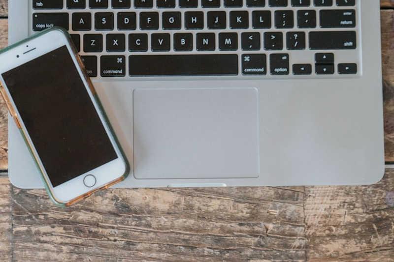 przenieść SMS-y na komputer