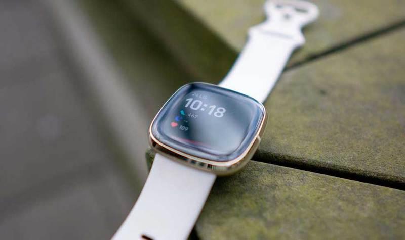 Fitbit Sense - smartwatch z EKG