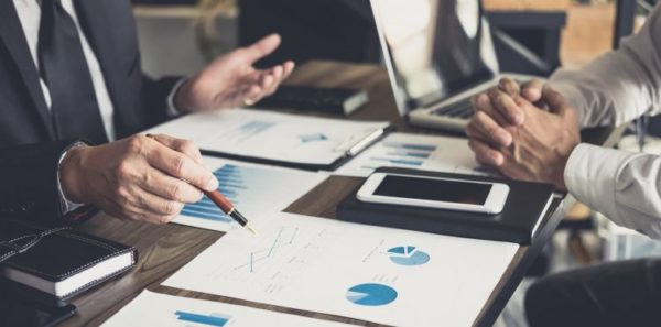 Przegląd rynku operatorskiego 2020 - raport Orange