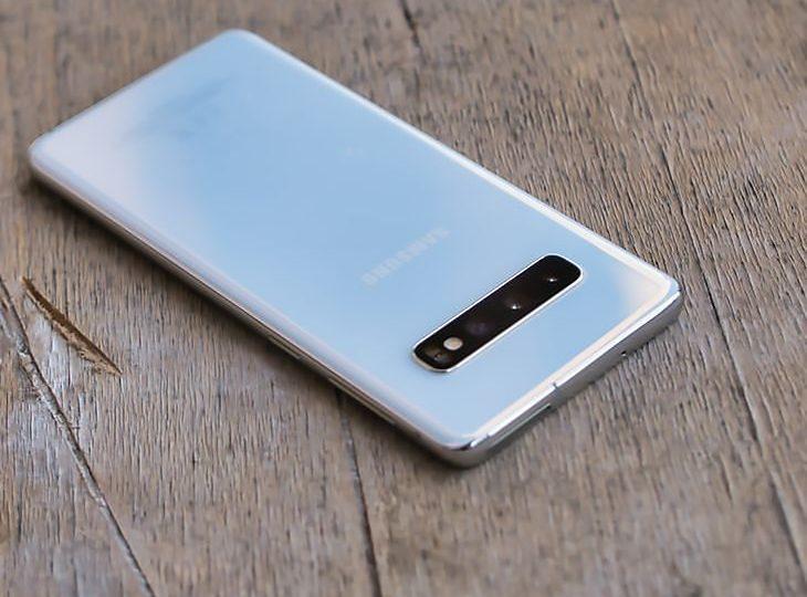 Samsung Galaxy S10 dostaje w Polsce Androida 11 z One Ul 3