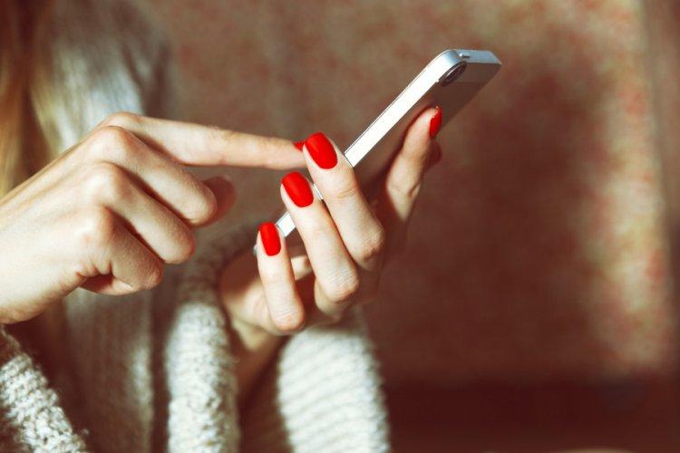 Jak zlikwidować drobnoustroje na telefonach?